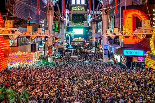 fremont_street_concert1